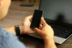 Cách sao lưu điện thoại Android của bạn vào PC