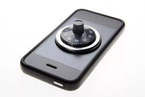 UNLOCK IPHONE CÓ HỢP PHÁP KHÔNG?